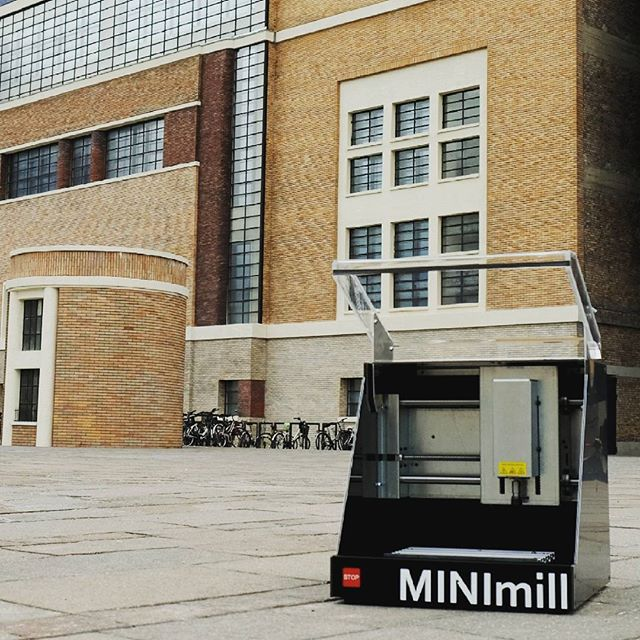 We were visiting the IDM Bolzano at the NOI techpark with our MINImill. Check out their very cool makerspace, which also includes a MINImill #minimill #qbot #noitechpark #minimilled #manufacturing #cncmilling #pcbmilling #pcbmill #instatech