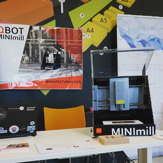 We presented our QBOT MINImill at the International Forum of Mechatronics in Bozen and won the first price for the best Startup! #timetocelebrate #motivation #proud #startuplife #qbot #minimill