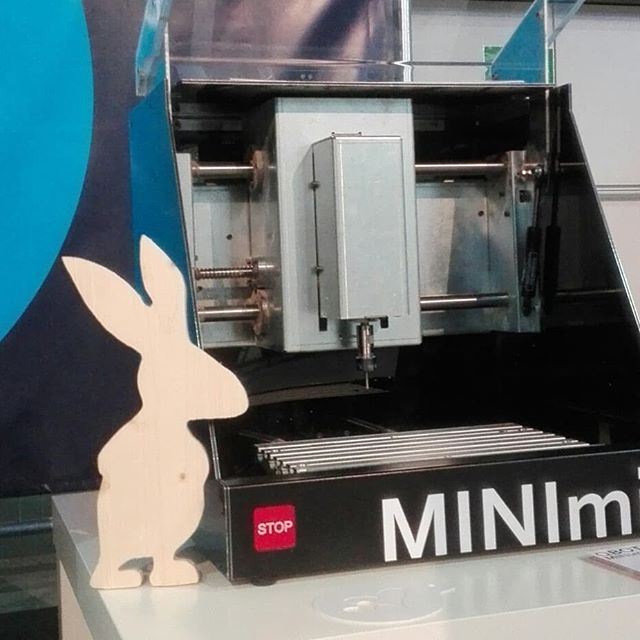 Our easter bunny is hiding on our booth at the 4GAMECHANGERS FESTIVAL - come and visit the qBot MINImill in Vienna #4gamechangers #4gamechangersfestival #scienceparkgraz #MINImillKIT #startuplife